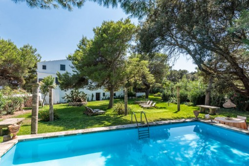 Authentic finca near Ciutadella with a large plot and a pool-