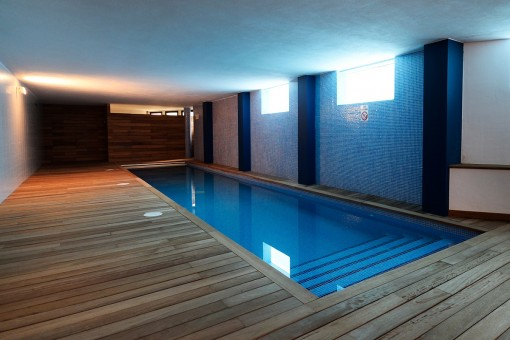 Exclusive heated swimming pool in the basement
