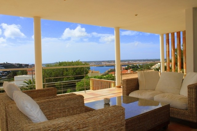Modern villa with views of the port of Mahon