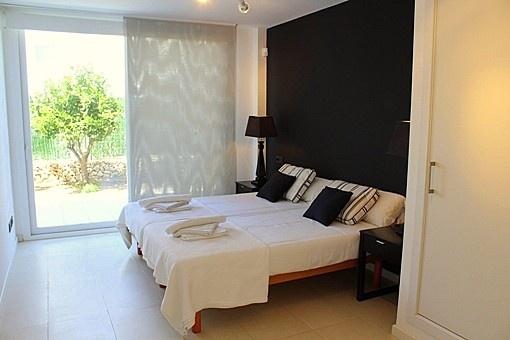 En-suite Bedroom with access to garden