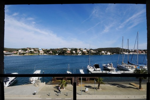 Frontline Duplex in the harbour of Mahon