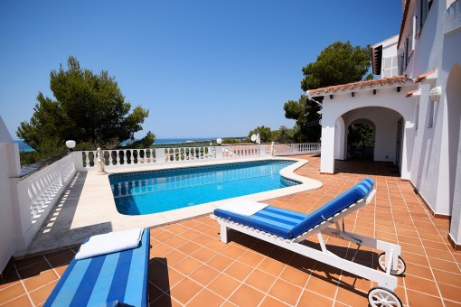 Lovely villa with sea views in Son Bou