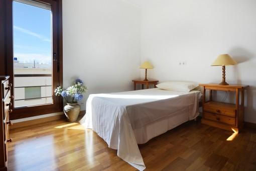 Single bedroom with large window
