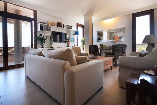 Bright penthouse on the fifth floor with balcony in Maó