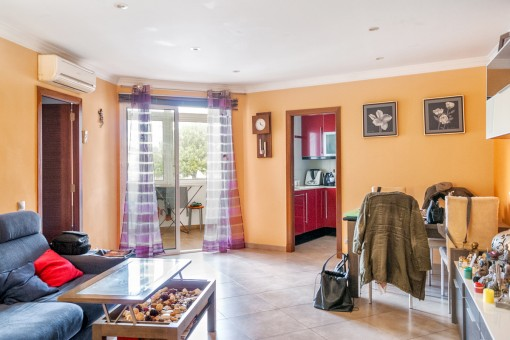 Spacious, renovated apartment in Mahon