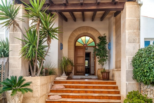 Freestanding villa in desirable Sa Caleta,...