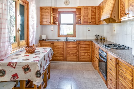 Fully equipped kitchen made of wood