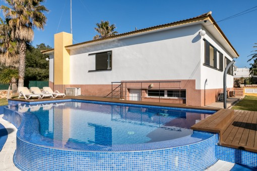 Beautiful detached house near to the beach in Cala Blanca