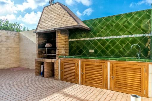 Fantastic outdoor kitchen