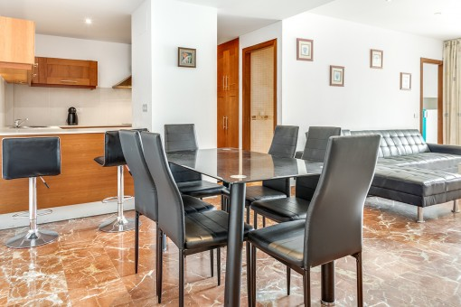 Friendly dining area with open kitchen