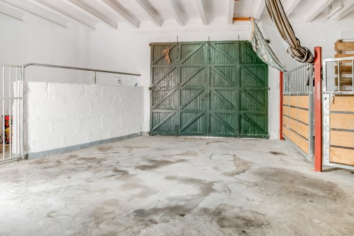 52 sqm garage
