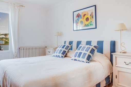 One of 5 cosy bedrooms
