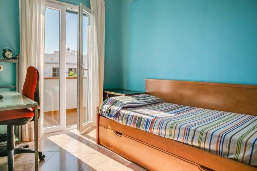 Friendly guest bedroom