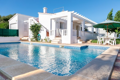 Beautiful villa with pool and holiday renting licence in Cala en Porter