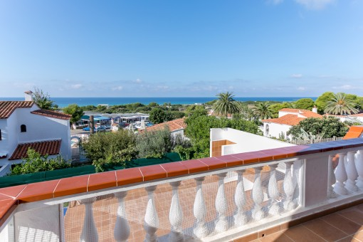 Villa with wonderful sea views in Son Bou