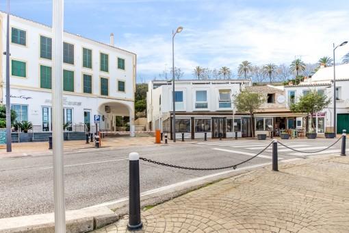 Harbour promenade