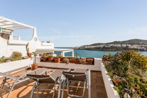 Sun terrace with fantastic sea views