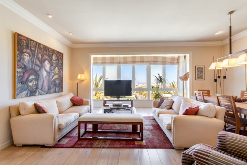 Lovely penthouse apartment in the centre of Mahon with sweeping views