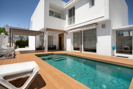 Semi-detached house with pool in the centre of Ciutadella