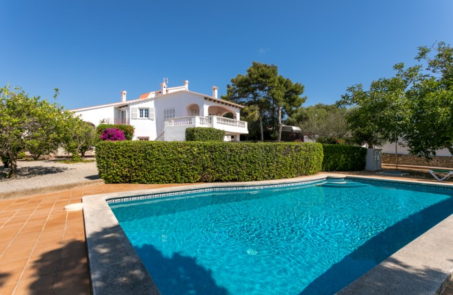 Large, very beautiful villa with pool, garden...