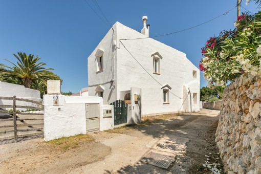 Very tastefully-restored, authentically-styled village house in one of the most typical places in Menorca, S'Ullastrar in Torret