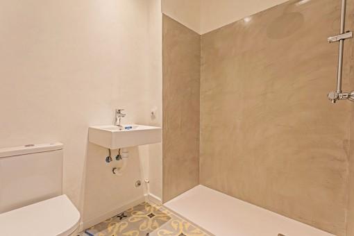 Second modern bathroom