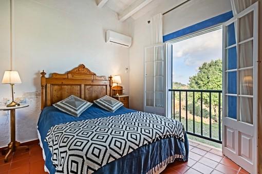 Cozy second bedroom